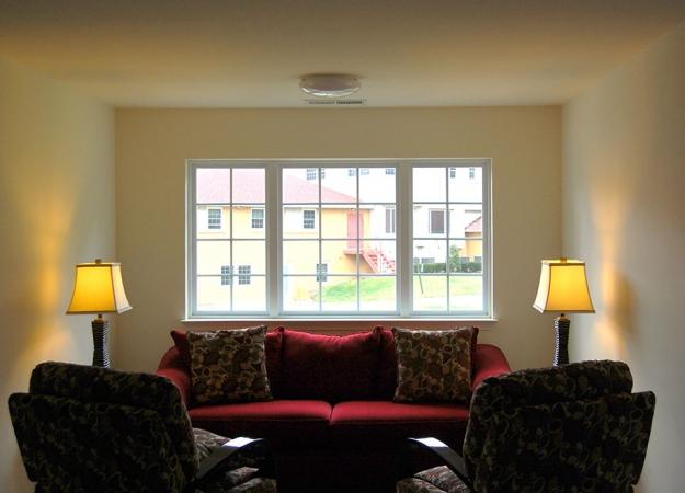 resident_house_living_room_3